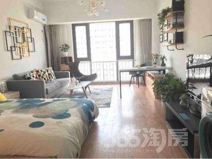 金隅观澜时代2室1厅1卫60平米中装产权房2016年建满五年
