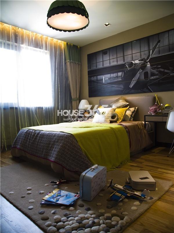 万科大明宫样板间实景图——卧室