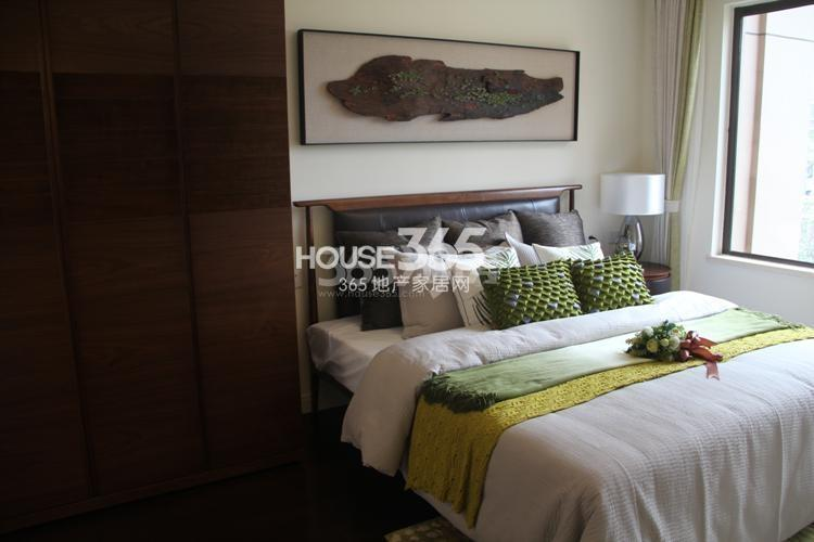 雅居乐国际花园D2户型89方样板房——卧室
