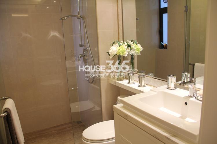 雅居乐国际花园D4、E4户型89方样板房——卫浴