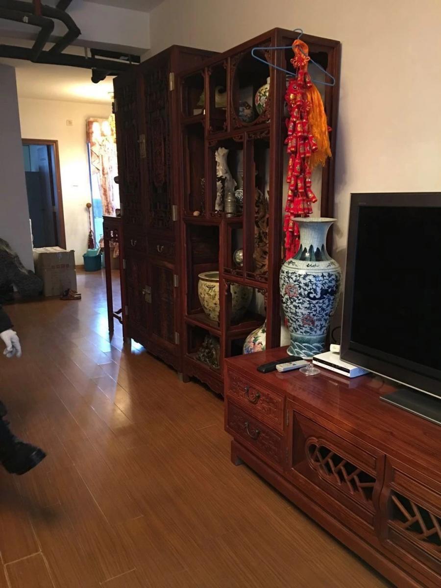 天鹅湖畔4室2厅2卫153平米整租中装