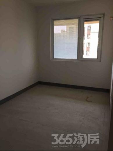 亚东同城逸境3室2厅1卫88平米整租毛坯