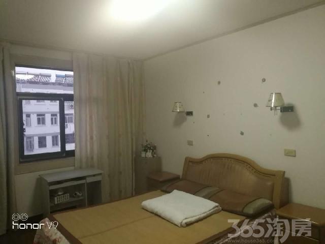 念四新村3室1厅1卫100.00�O2007年产权房精装