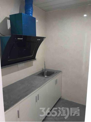 华瑞中心1室0厅1卫20平米合租精装