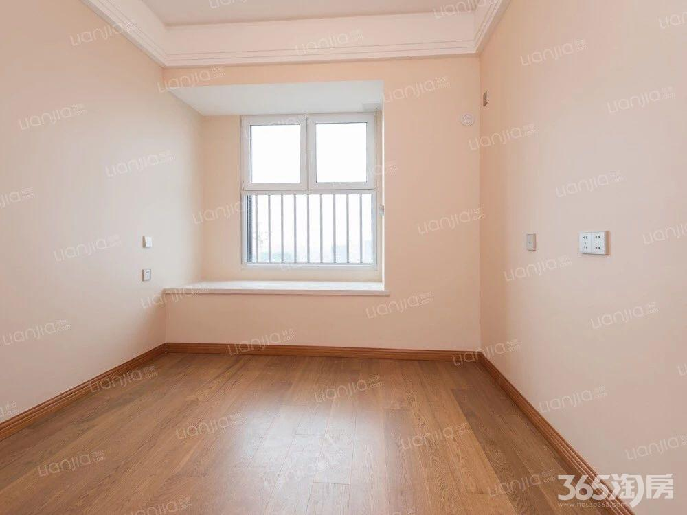 万科尚都荟3室1厅1卫91.92平方产权房豪华装