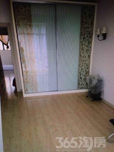 塞纳名邸2室2厅1卫89平米精装产权房2009年建
