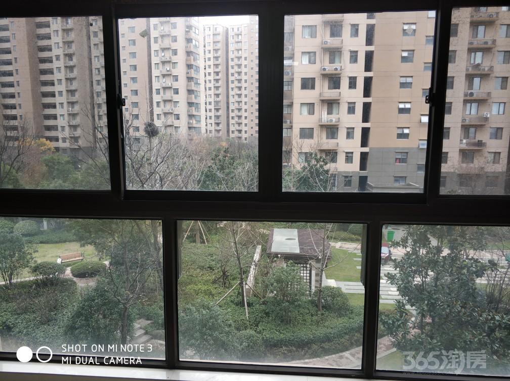 宝华泰达青筑3室1厅1卫101平米2014年产权房精装