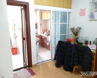 龙江 <font color=red>银城街小区</font> 精装两房 家电齐全 首次出租 交通便利
