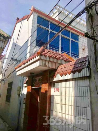 宝应健康路单门独院4室2厅1卫140平米中装使用权房