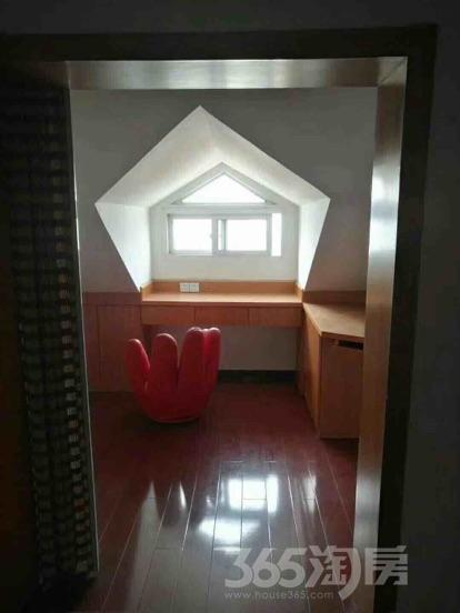 宇斯浦花园3室1厅1卫98平米中装产权房2010年建满五年