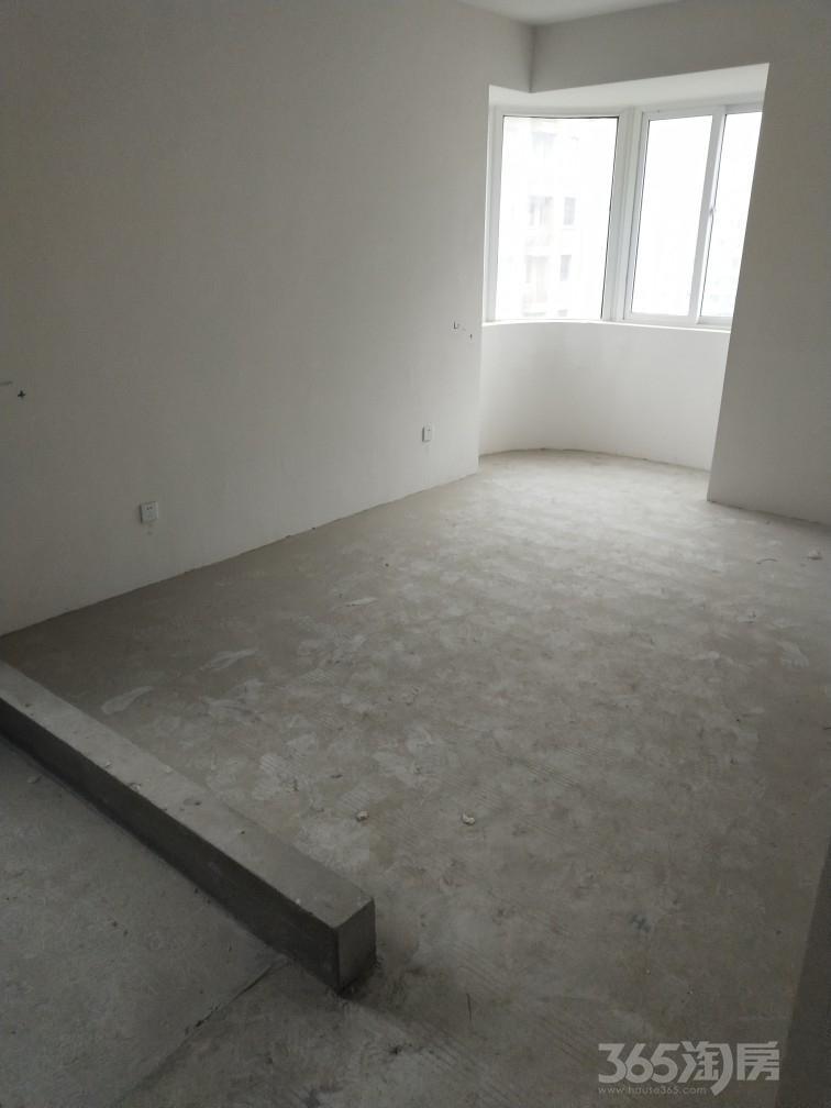 东菱城市新地3室2厅1卫132平米2014年产权房毛坯