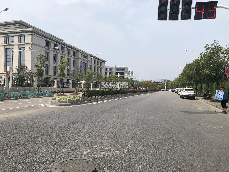 恒基玲珑翠谷周边情况实景图(8.19)