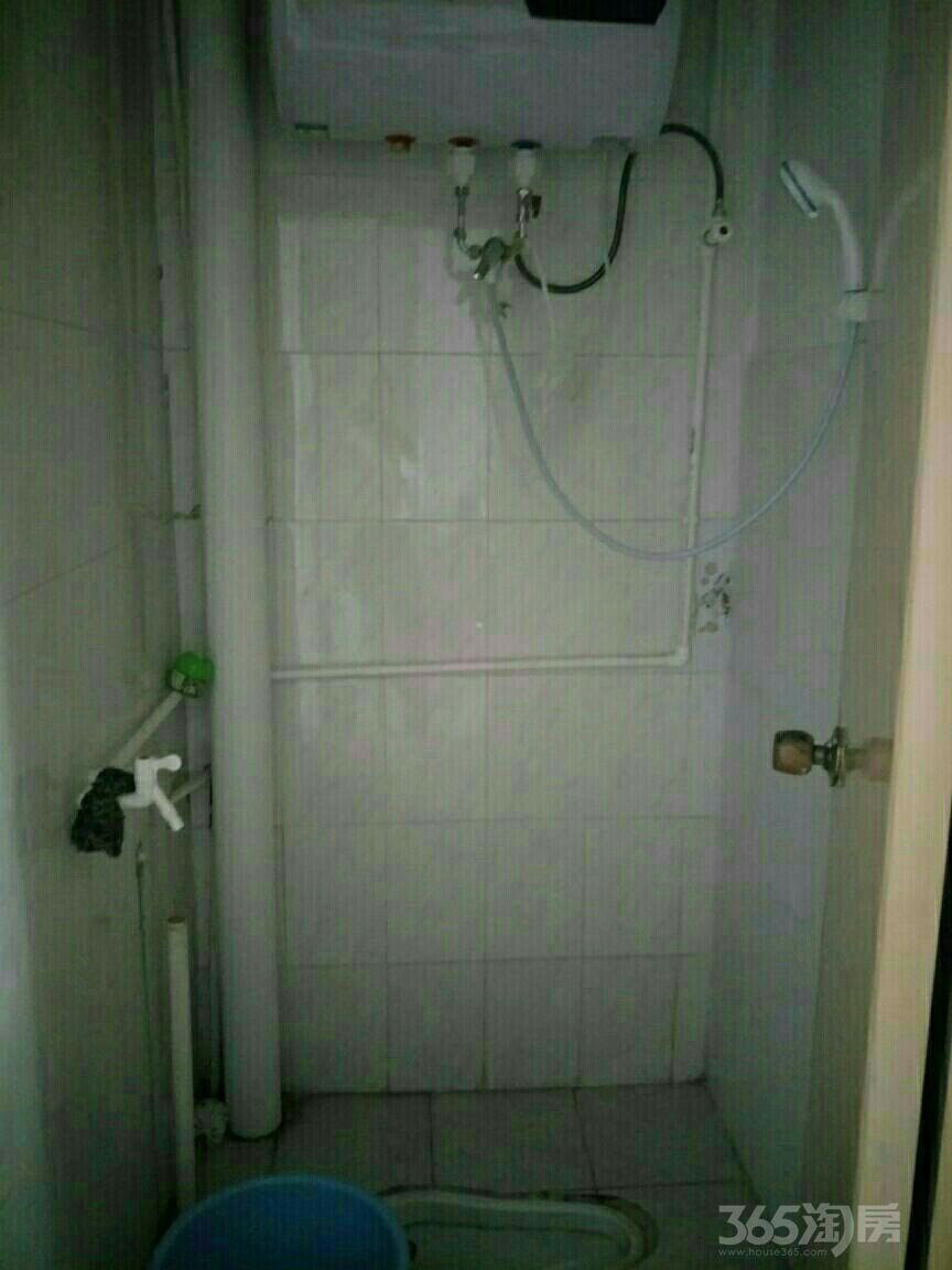 华联小区1室0厅1卫10平米整租中装