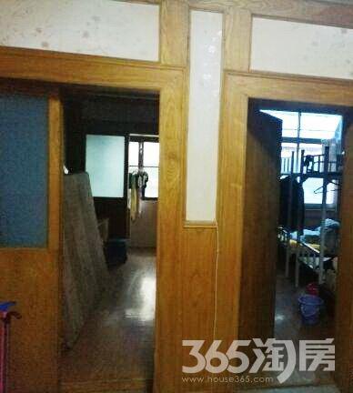 独立小区 老式装修三房可带户口 灵谷寺体校房子图片