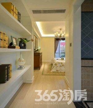 银泰城公寓1室1厅1卫58平米整租豪华装