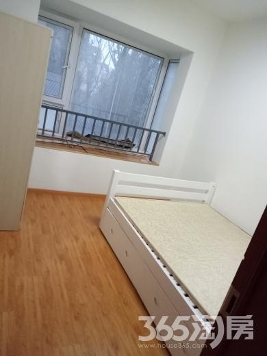 迈皋桥地铁口4室1厅1卫85㎡整租豪华装