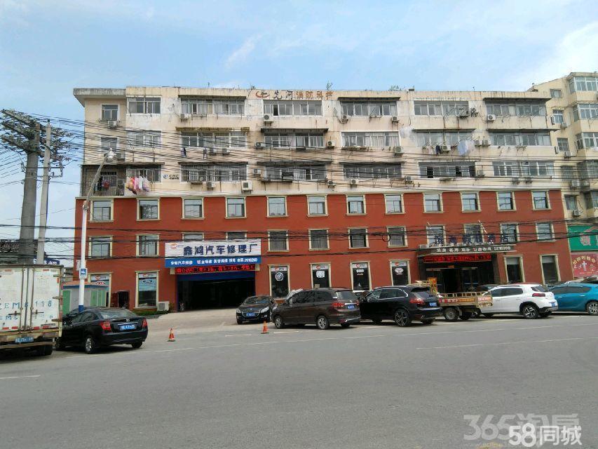 雨山西路168号1楼(送50平米院子)3室2厅2卫125�O