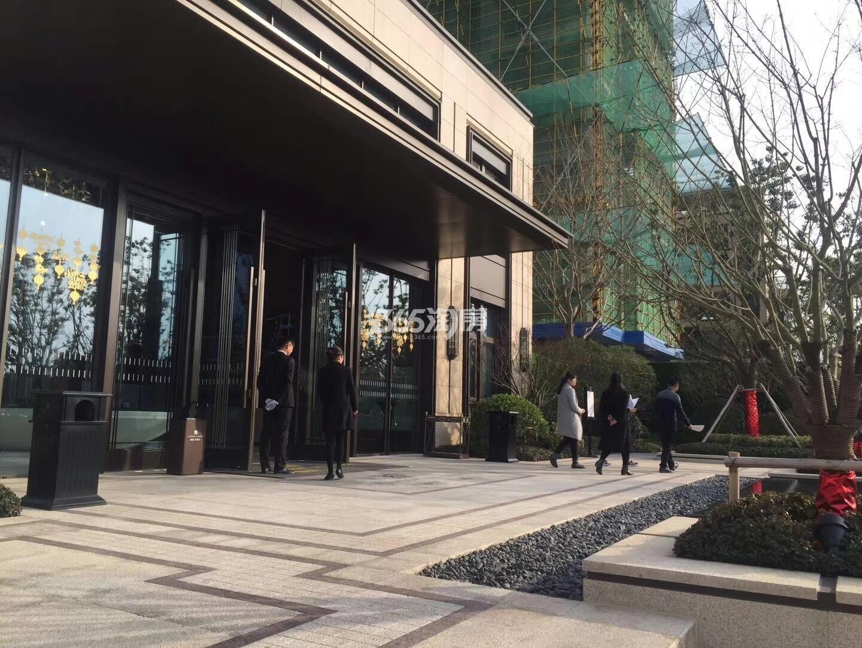 融创玖樟台售楼部外部实景图(2018.4.2)