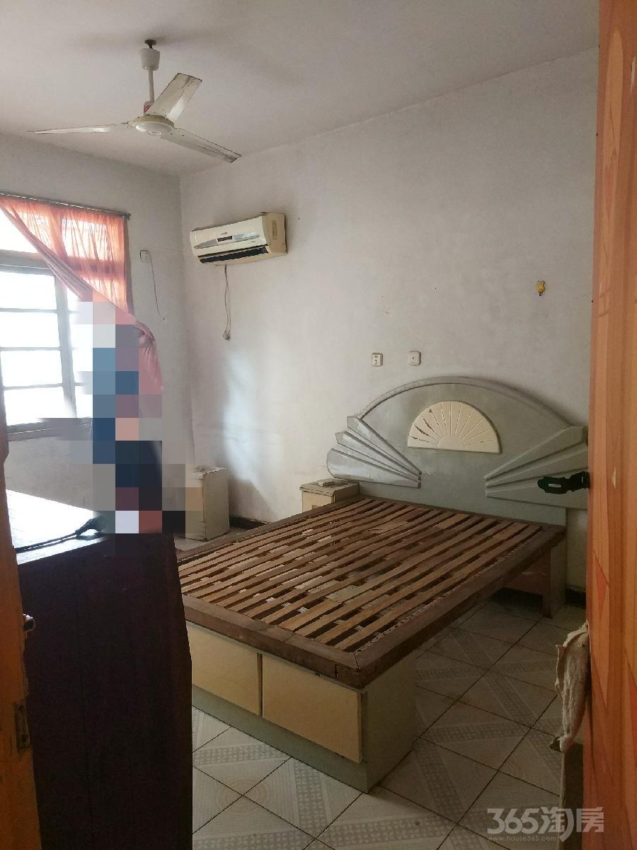 冰冻街小区2室 1厅 1卫50平方米900元/月