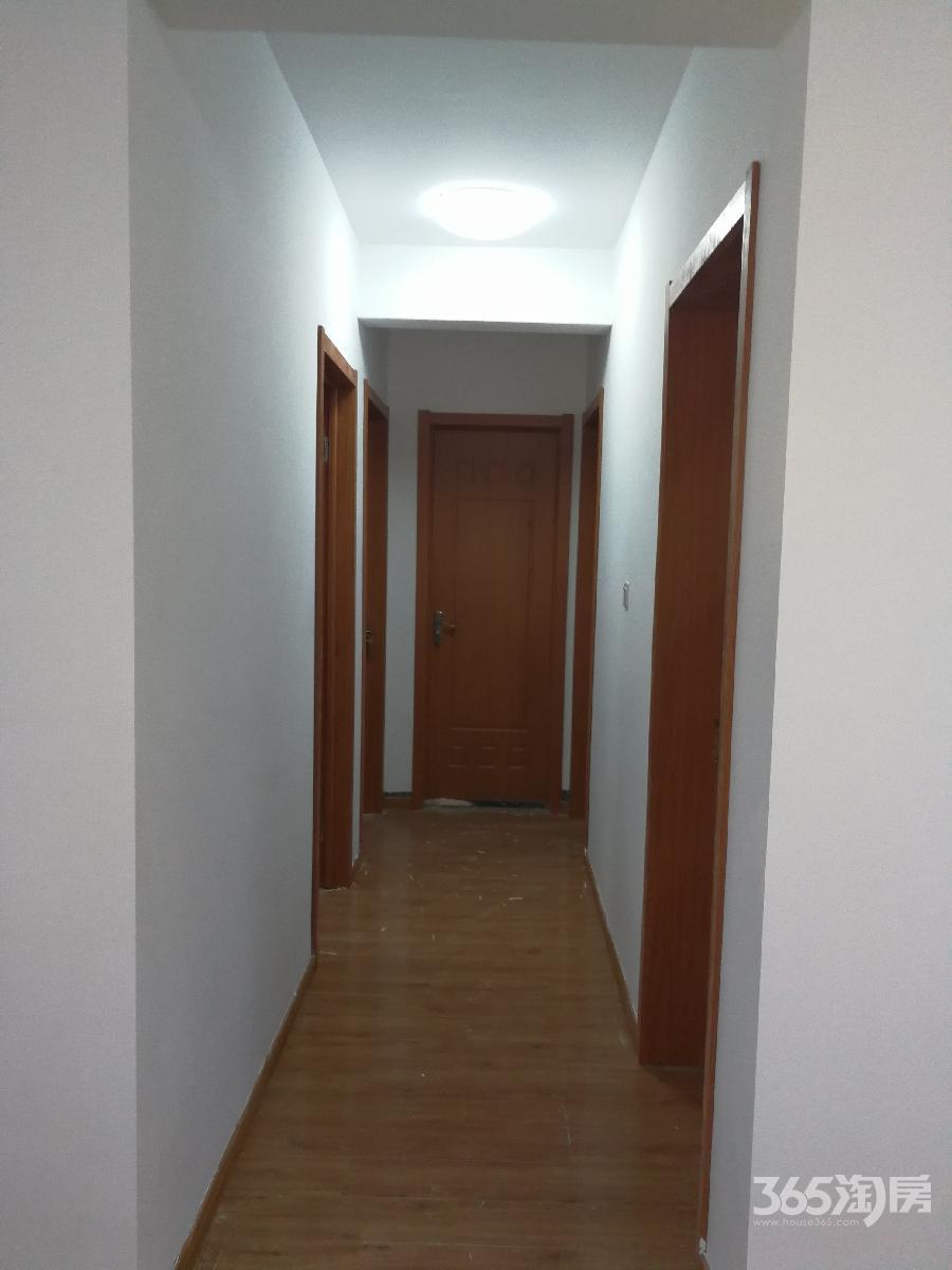 南京仙林万达茂3室2厅1卫106平米 精装修 首次出租