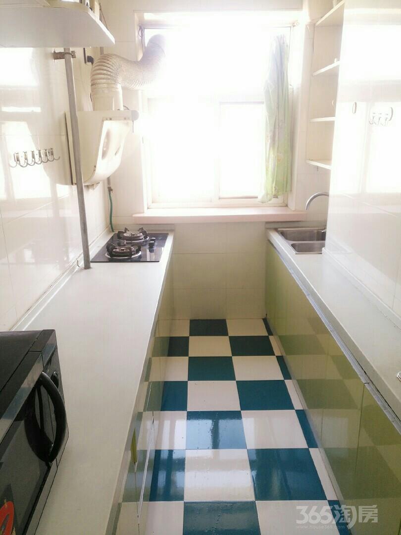 减速机高层2室1厅1卫85平米整租精装
