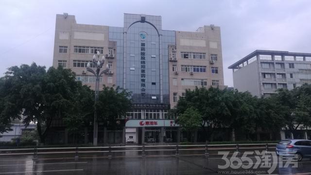 高新区临主干道新川首座对面1-4楼商铺出租!