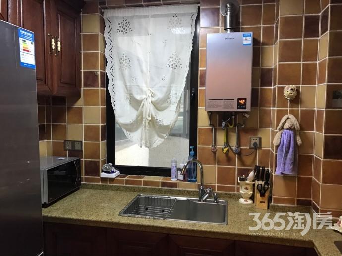 白金湾3室1厅1卫91平方产权房豪华装