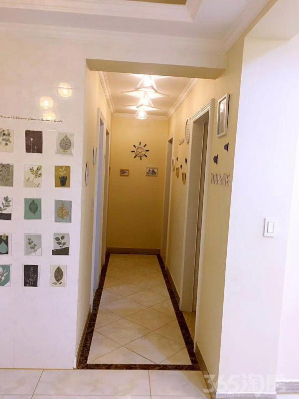 卡森名庭园3室2厅2卫95�O2016年产权房精装