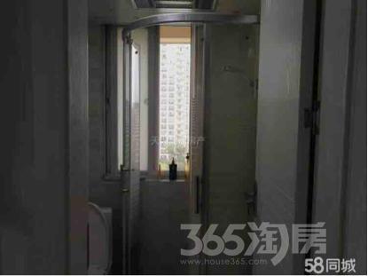 中南世纪城3室2厅1卫118平米精装产权房2014年建满五年