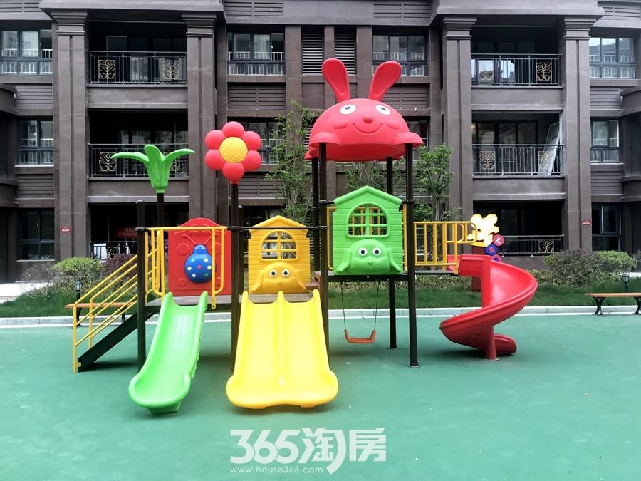 东方蓝海游乐设施实景(2018.4摄)