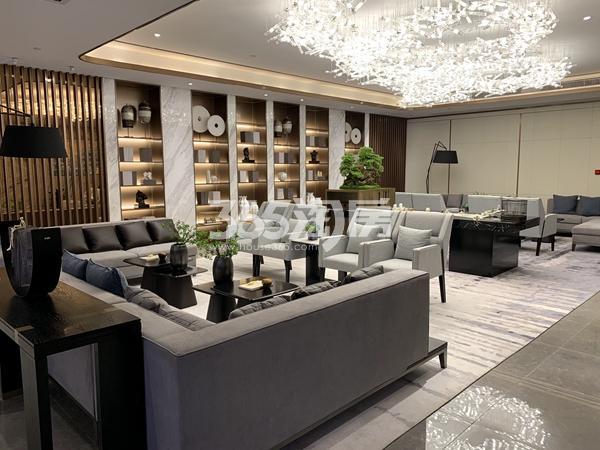 太湖如院会所地下一层沙发区实景(2020.3.31摄)