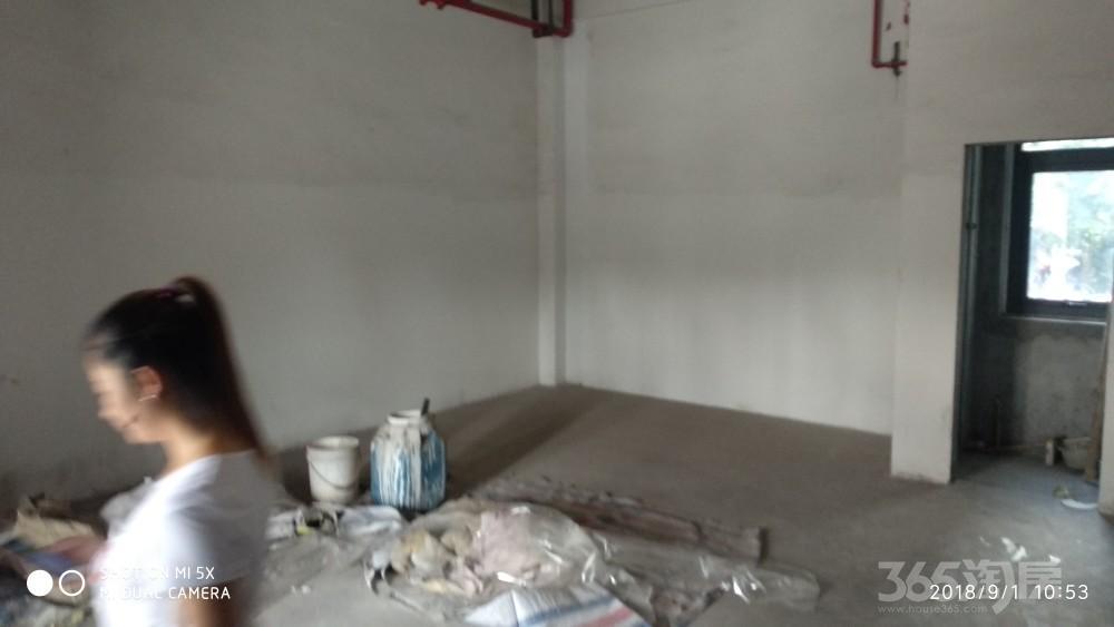 拱墅区紫元尚堂137平米年8新铺毛坯