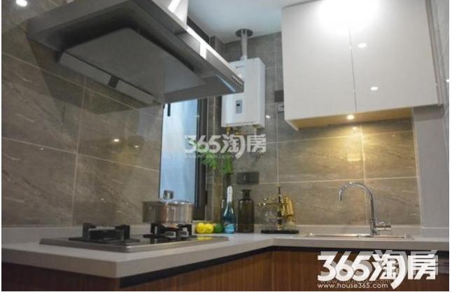 方山风景区 江宁大学城 文鼎广场 低密度精装准现房公寓 银城地产