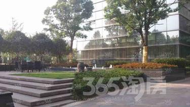 雨润国际广场1室1厅1卫62平米豪华装产权房2012年建