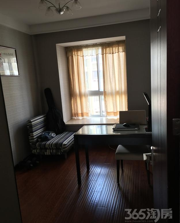 瑞尔花园3室1厅1卫115.00�O整租豪华装