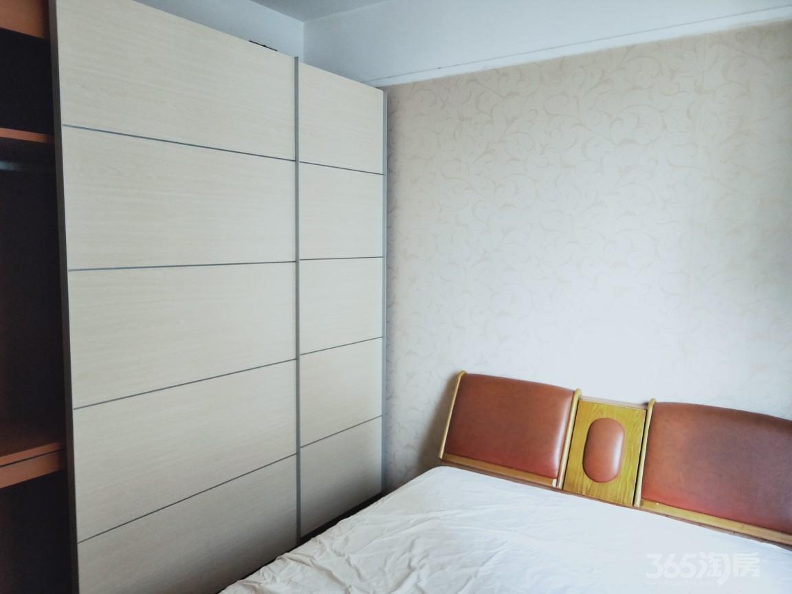 银凯家园3室2厅1卫120平米整租精装