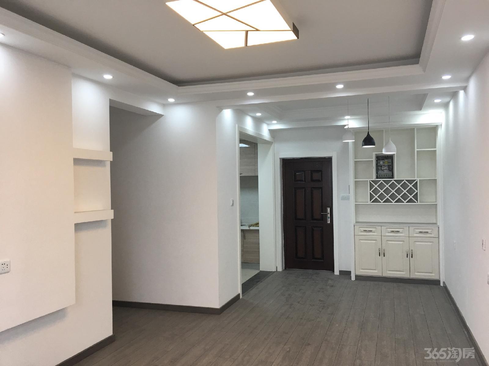 华建雅筑3室2厅2卫87平米精装产权房2015年建满五年
