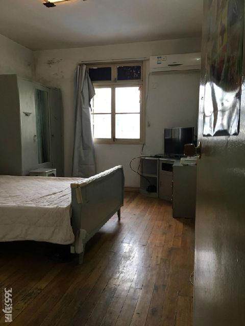 鸡鸣山庄2室1厅1卫53平米简装产权房1988年建