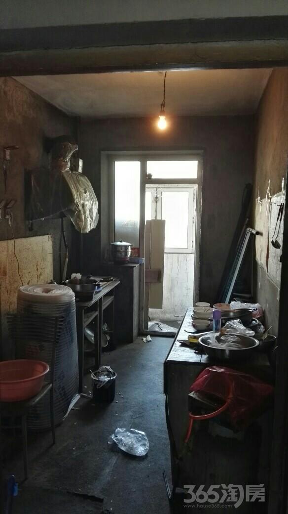 红平小区3室1厅1卫94.91平米1999年产权房毛坯