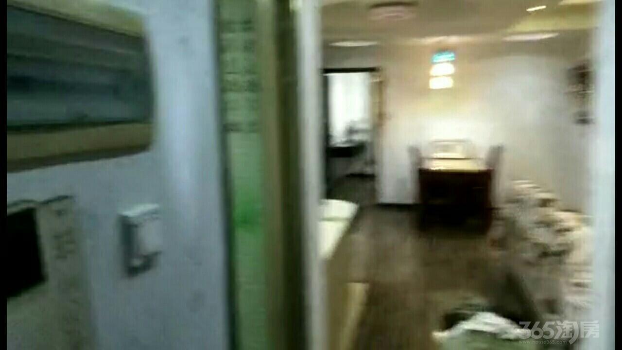 保集半岛一期3室1厅1卫93平米整租精装