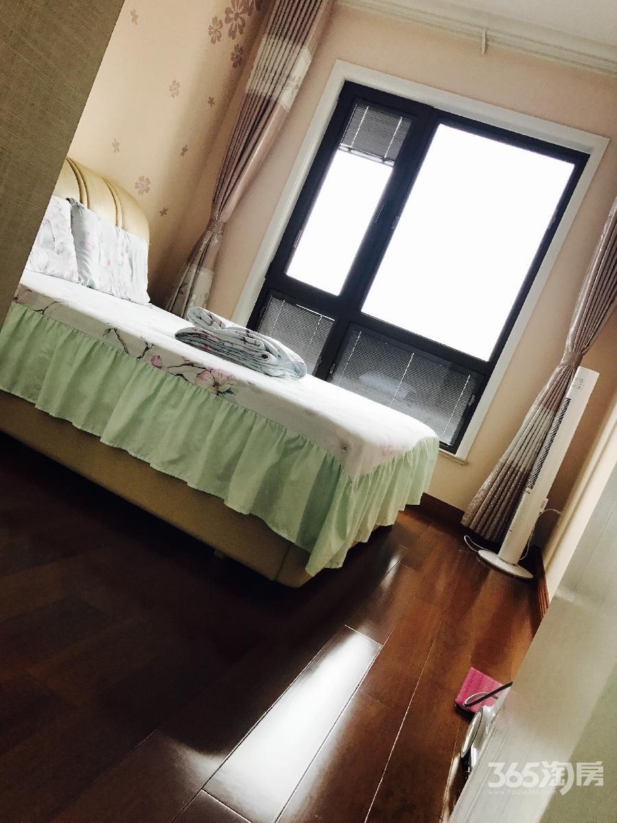 长泰国际社区2室2厅1卫80平方产权房豪华装