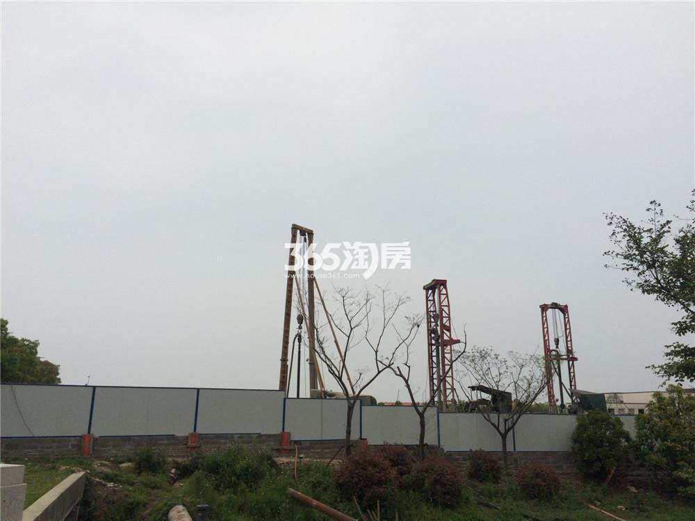 绿地华侨城海珀滨江在建实景图(7.27)