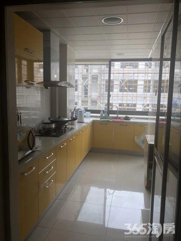 宜家国际公寓4室2厅2卫136.70㎡310万元
