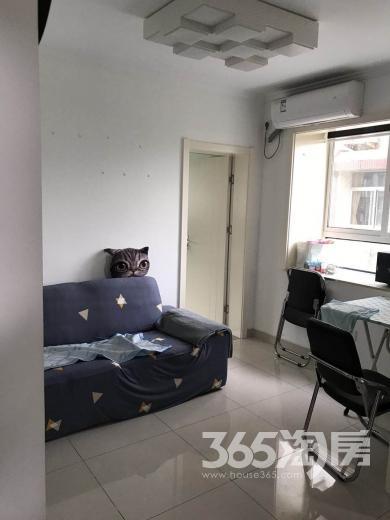 康居里小区2室1厅1卫59平米豪华装产权房2000年建
