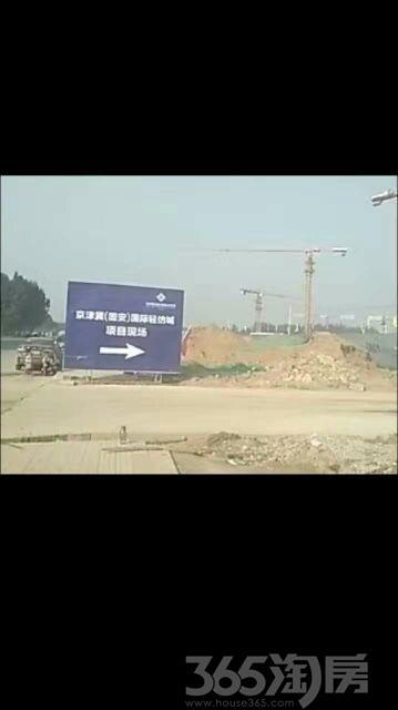 温泉新都孔雀城300平米2016年空铺简装