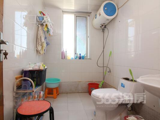 苏宁天润城一街区3室2厅1卫104平方产权房简装
