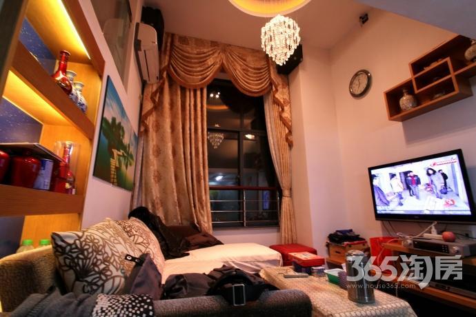 甲壳虫2933公寓套间产权房豪华装2411室