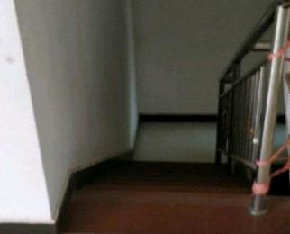 满五唯一景江豪城田沁园4室3厅2卫复式中装