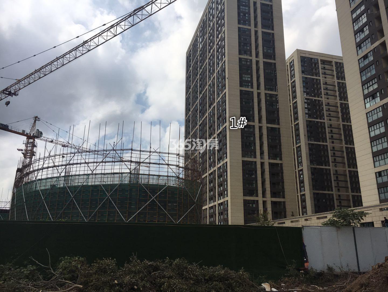东方万汇城南区1号楼实景图(9.12)