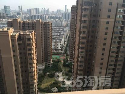 蓝天华侨城3室2厅1卫122.96平米毛坯产权房2015年建